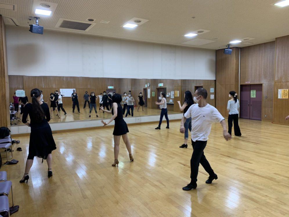 愛子先生とハンドクラップを踊る!